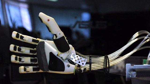 Россияне создают робота для покорения Луны