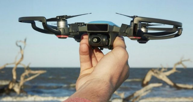 DJI Spark: «взрослый» селфи-дрон с управлением жестами