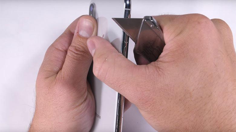Первые дроп и краш тесты iPhone X. Испытание падением, водой, ножом, стиральной машиной и многим другим