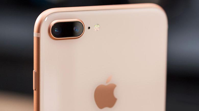 Apple снижают цены на прошлые модели iPhone