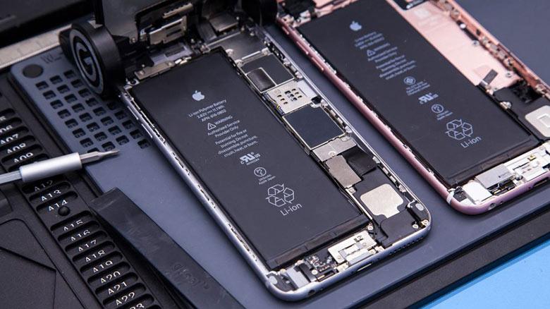 Скидка на замену старых аккумуляторов iPhone уже действует. Только в РФ еще не определились с новой ценой
