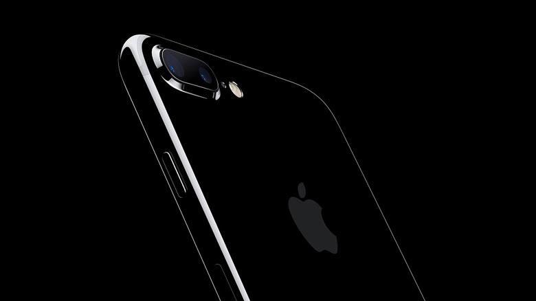 Apple снизили официальные цены на iPhone 7, 7 Plus, 6s, 6s Plus и iPhone SE в России