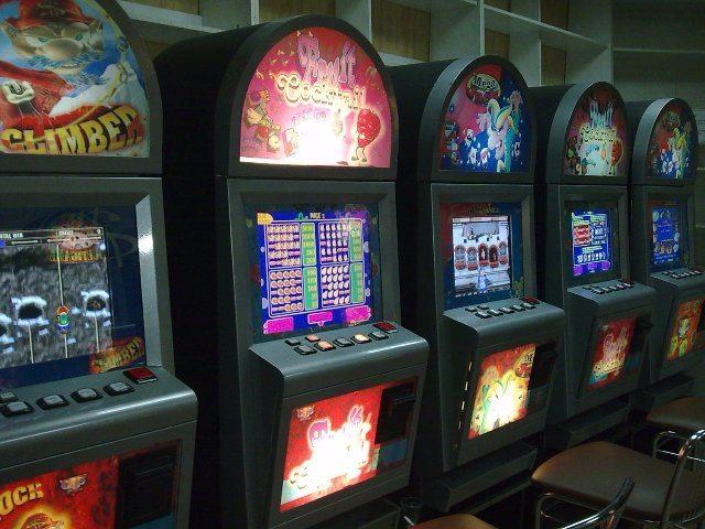 Виртуальный мир: играем в покер с нами
